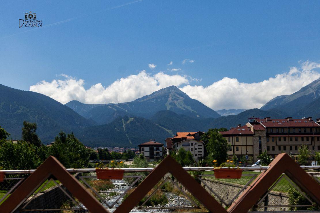 Красотата на град Банско, но не през зимата, а през лятото