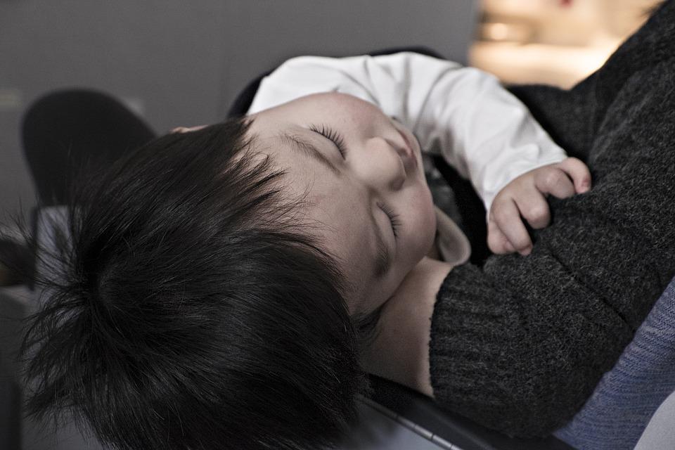 6 Съвета за пътуване с бебе в самолета